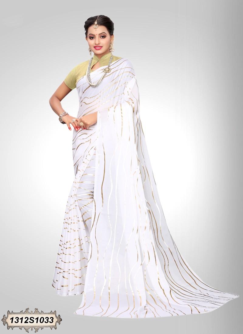 Sari blanco y dorado