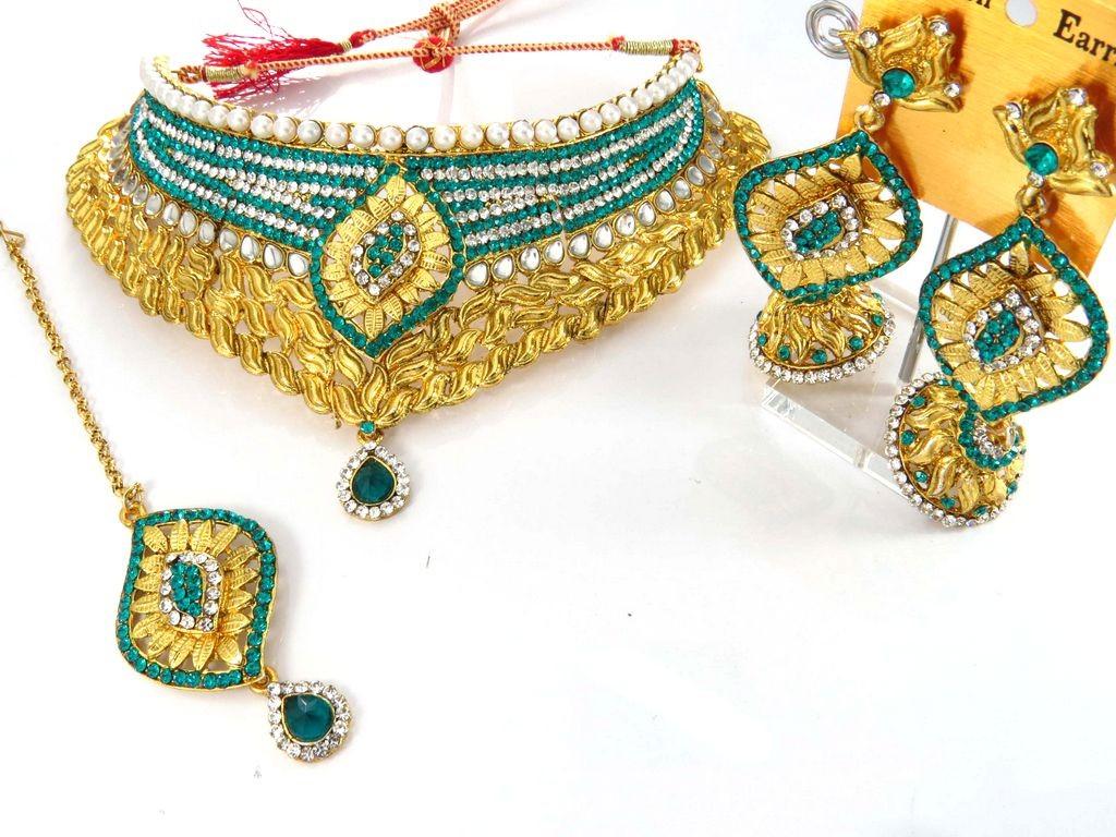 Conjunto turquesa y perlas