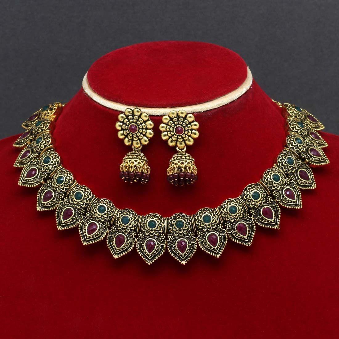 Collar indio dorado y jhumkas