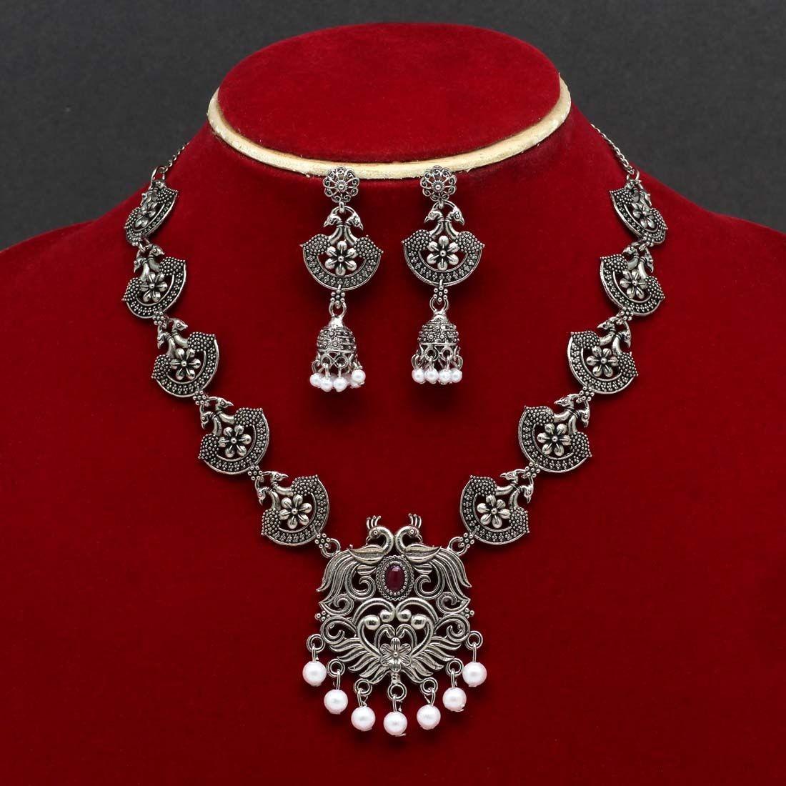 Conjunto de pendientes y collar hindu
