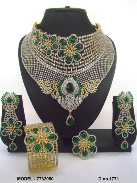 Conjunto Reina Hindu circonitas verdes