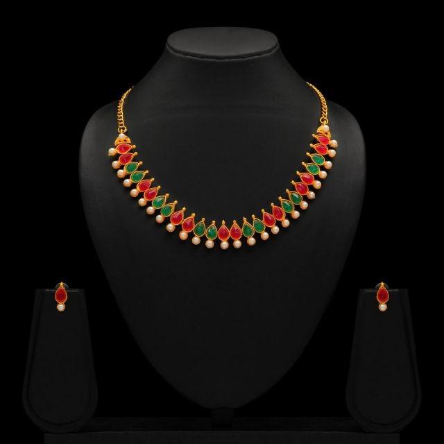 collar elegante