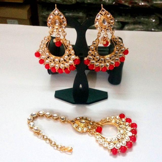 pendientes rojos india con joya frente