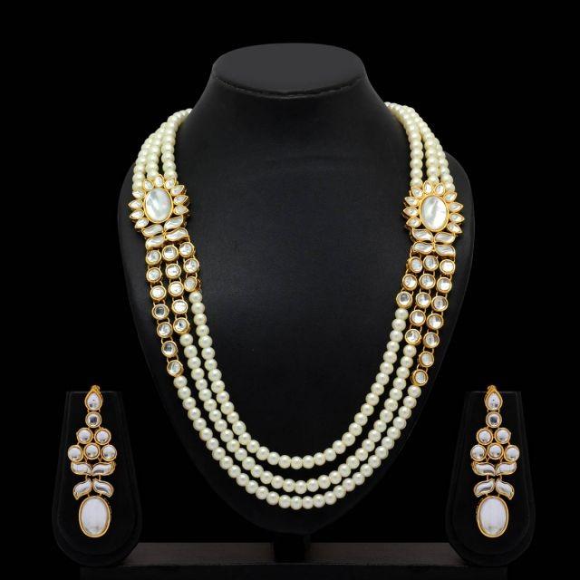 Collar perlas con pendientes largos