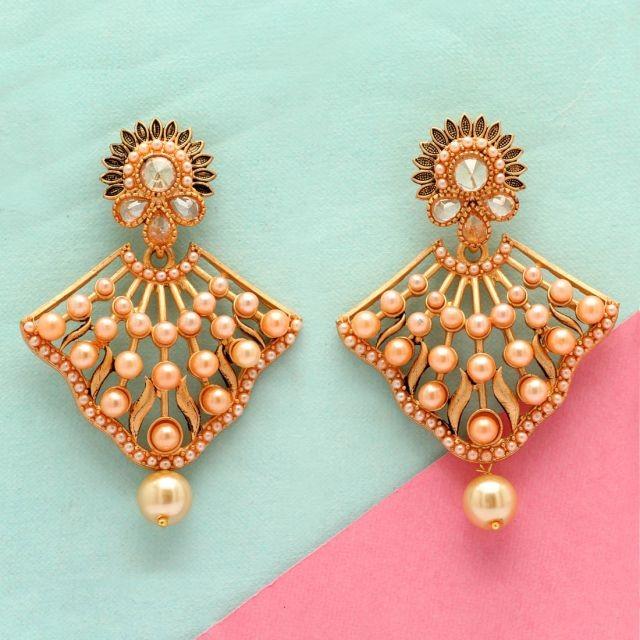 Pendientes perlas color maquilleje