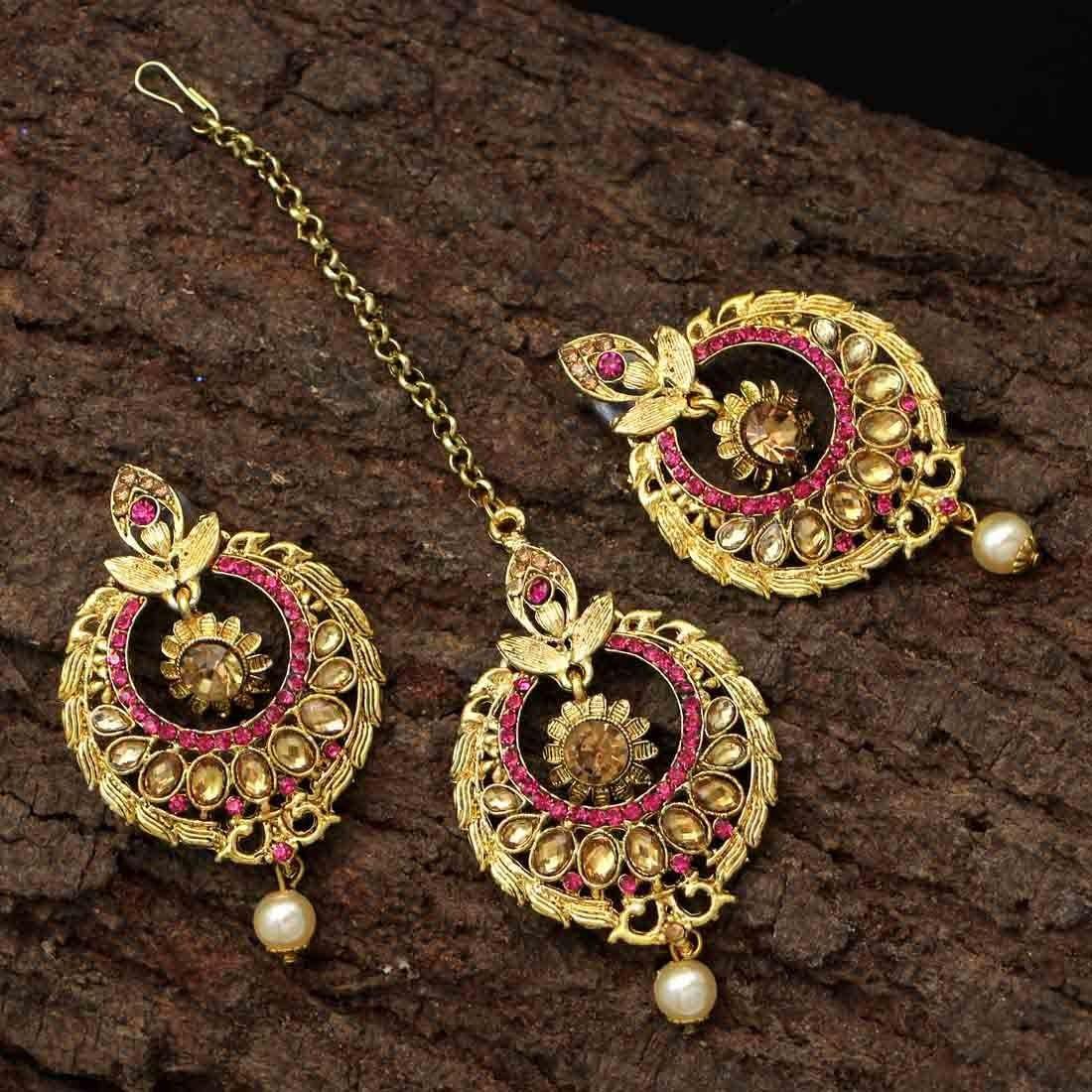 Tikka Bollywood y pendientes rosas