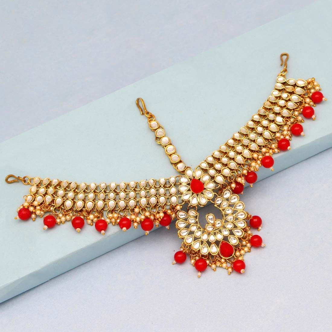 Tiara hindu colgantes rojos
