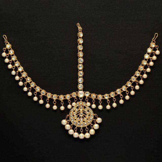 Tiara perlas blancas