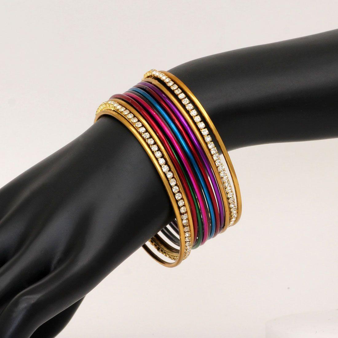 Conjunto pulseras colores y doradas