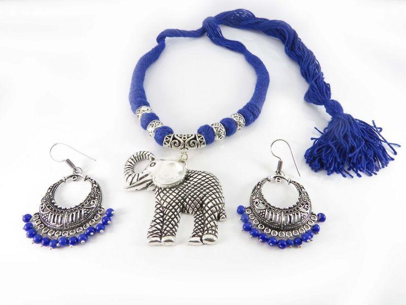 Colgante elefante y pendientes