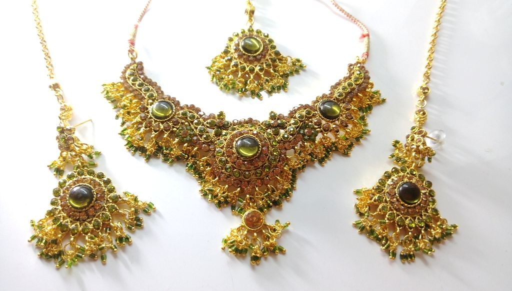Conjunto baile de Bollywood verde pistacho