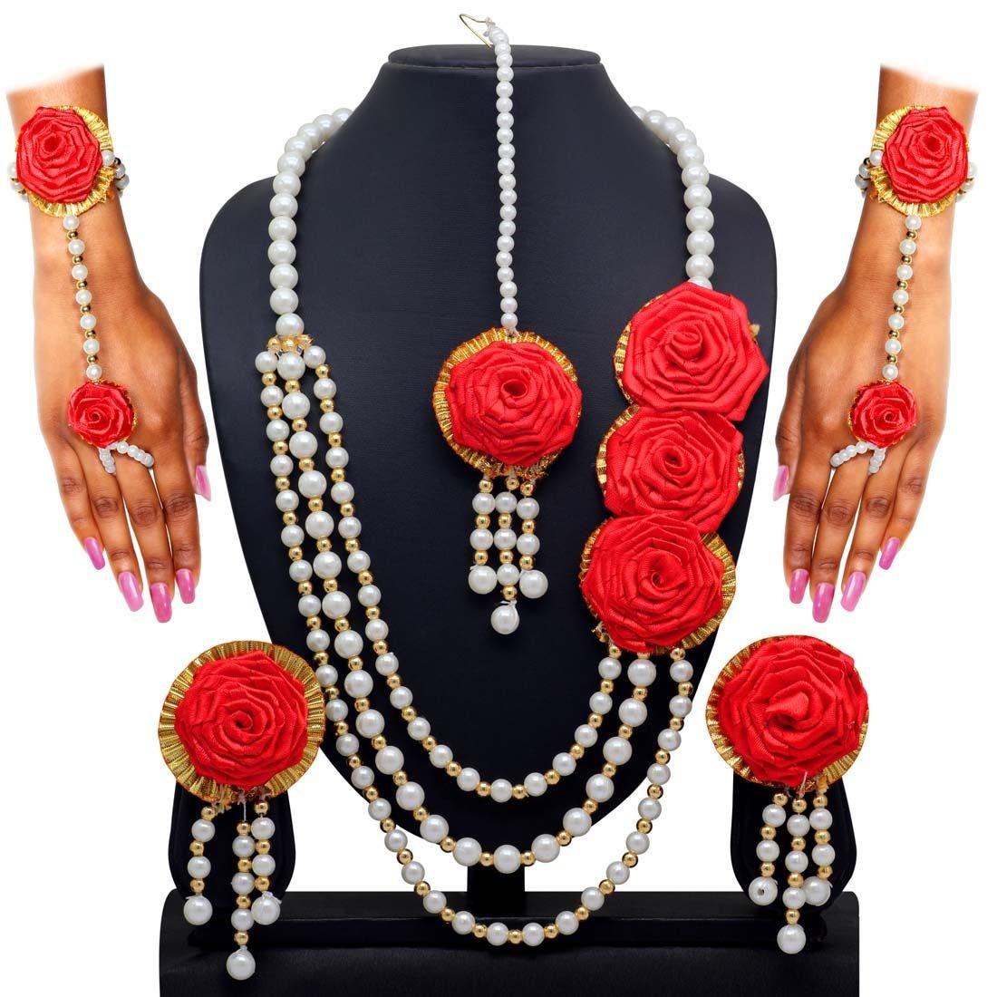 Conjunto rosas rojas ceremonia henna novia india