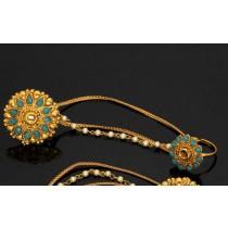 Dos anillos juntos con cadenas azul turquesa