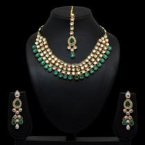 Conjunto verde collar pendientes y tikka