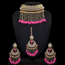 Conjunto rosa Barbie cascada perlas