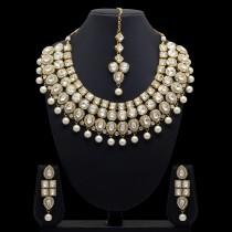 Conjunto cristales brillantes y perlas