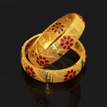 Pulseras color oro con flores
