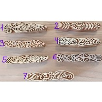 Sello para henna en los dedos
